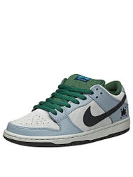 Nike SB Dunk Low Pro Shoes  Dove Grey/Black/Gorge Green