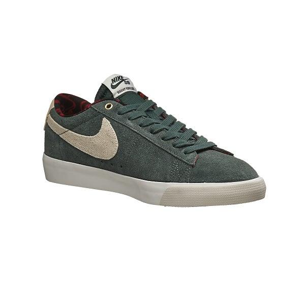 914024f5bb45 Nike SB Blazer Low GT Shoes Grove Green Phantom Red 360 View
